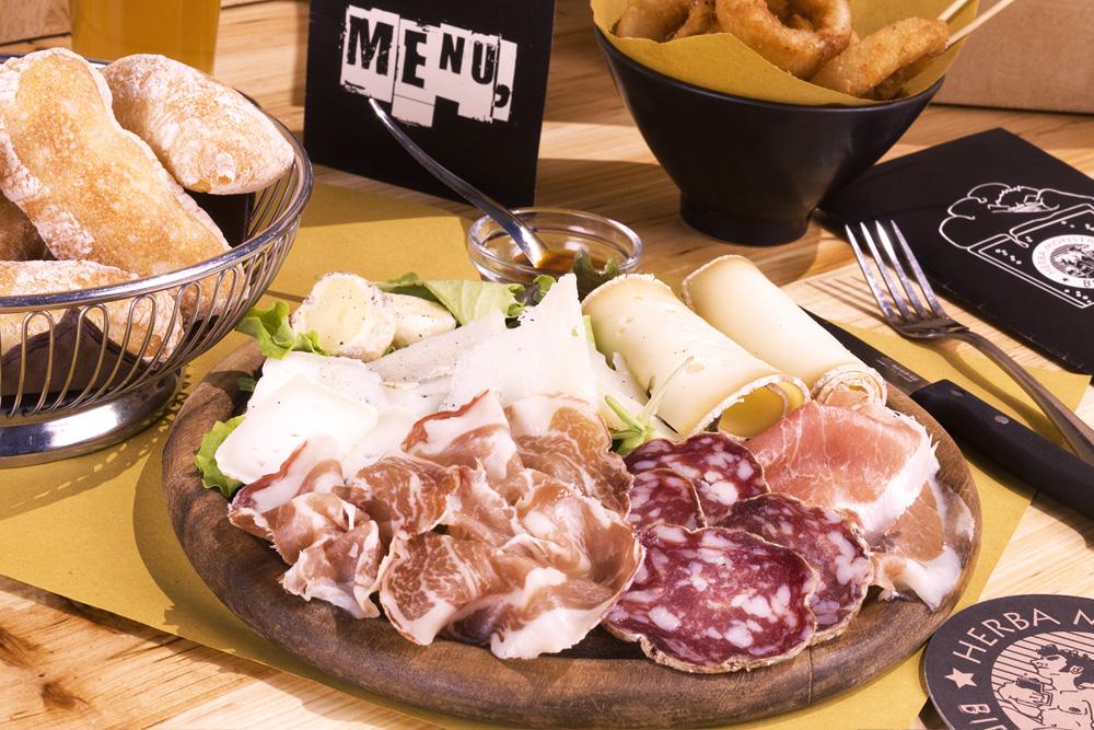 Tagliere formaggi e affettati locali - Herba Monstrum, Galbiate Lecco
