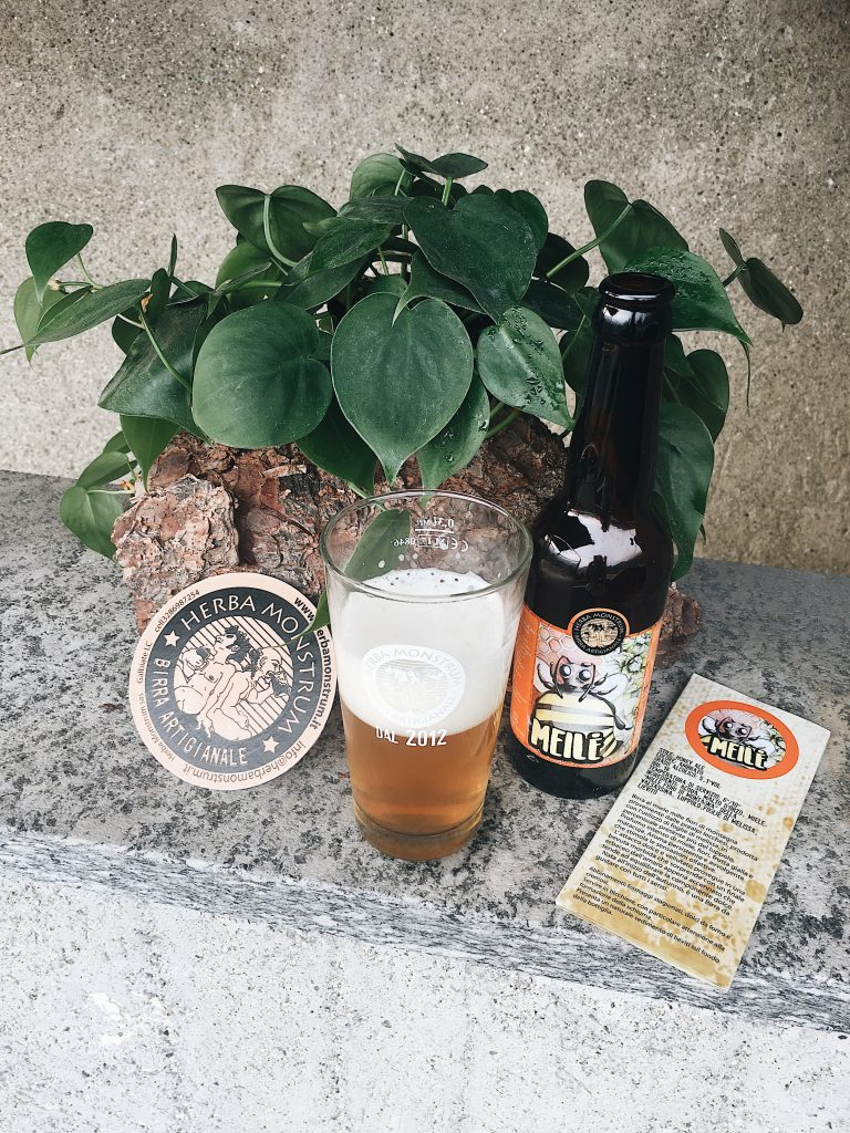 Sabato 21 e domenica 22 settembre 2019 FESTA DELLE API, Erba all' Oasi Santa Maria degli angeli. Birre artigianali alla spina di Herba Monstrum Brewery.