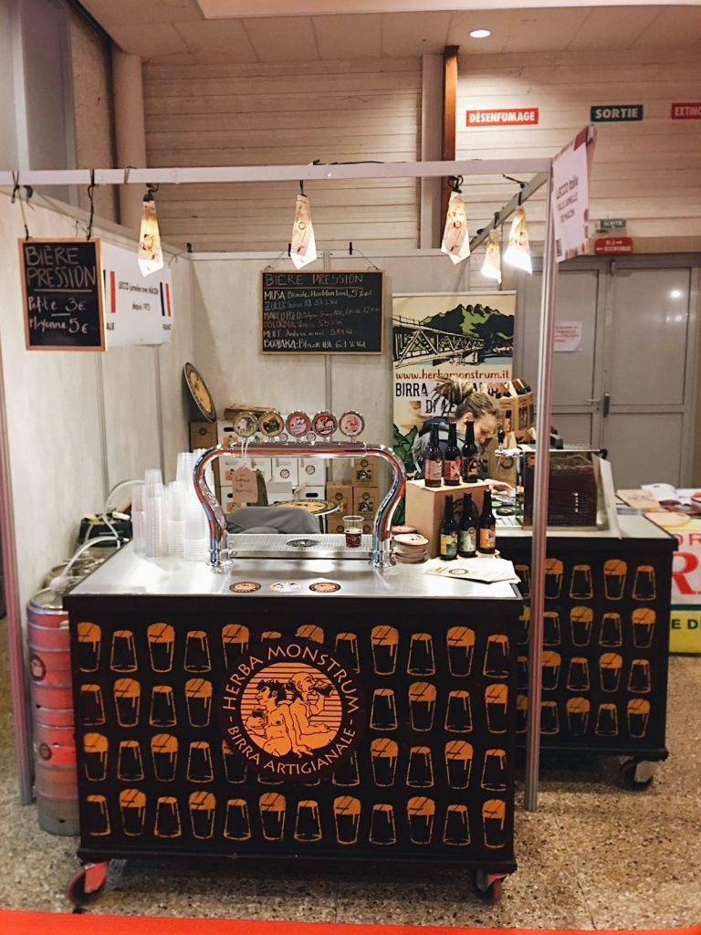 Francia, Mâcon. 14 ème Marché des Plaisirs Gourmands! Herba Monstrum Brewery via Ettore Monti, 29, 23851 in zona Ponte Azzone Visconti Lecco.