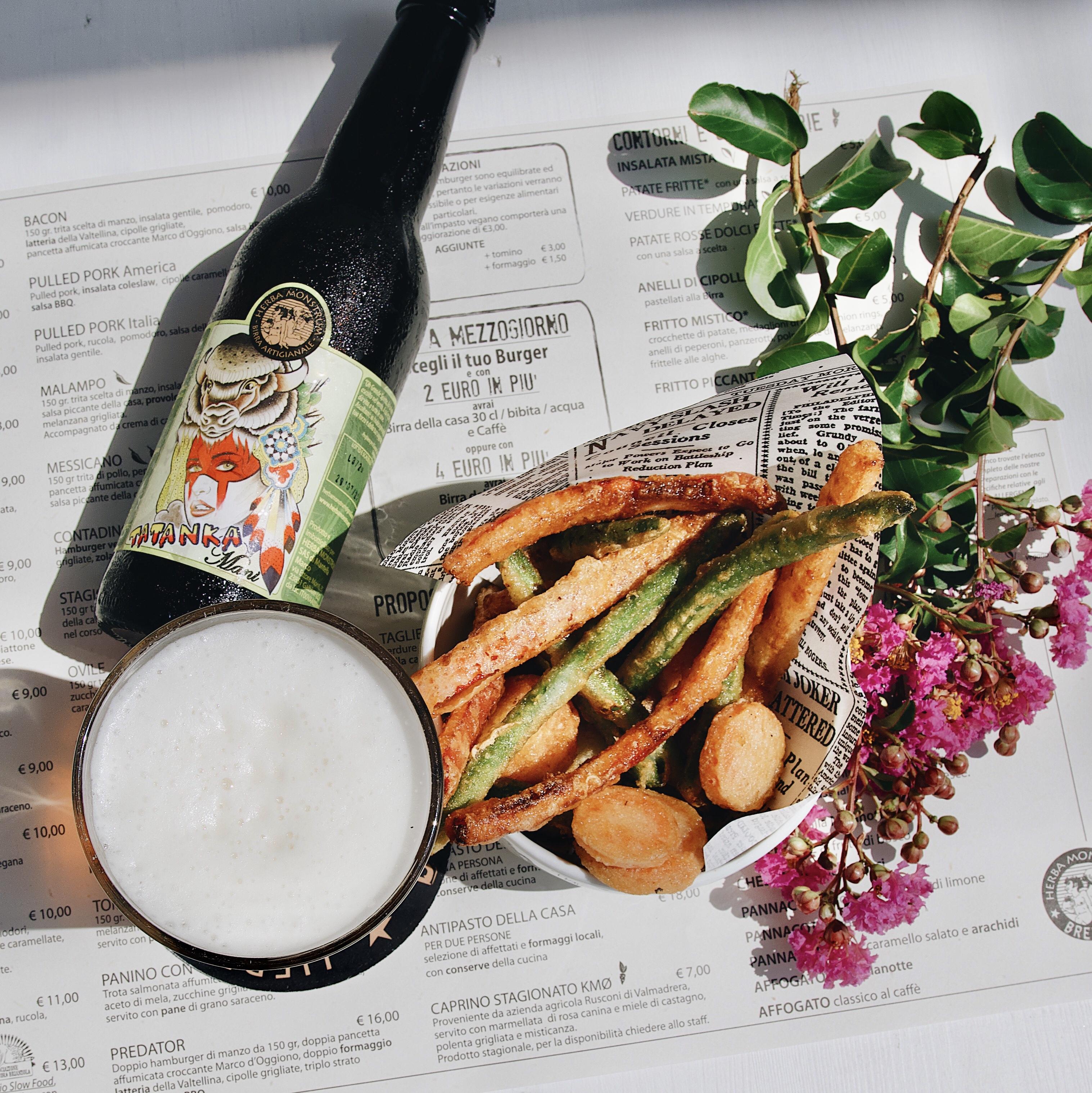 Herba Monstrum Brewery APERTO anche a pranzo. Novità verdure tempura. Via Ettore Monti, 29, 23851 in zona Ponte Azzone Visconti Lecco. Hamburger, patatine, birra artigianale, caffè Malatesta.
