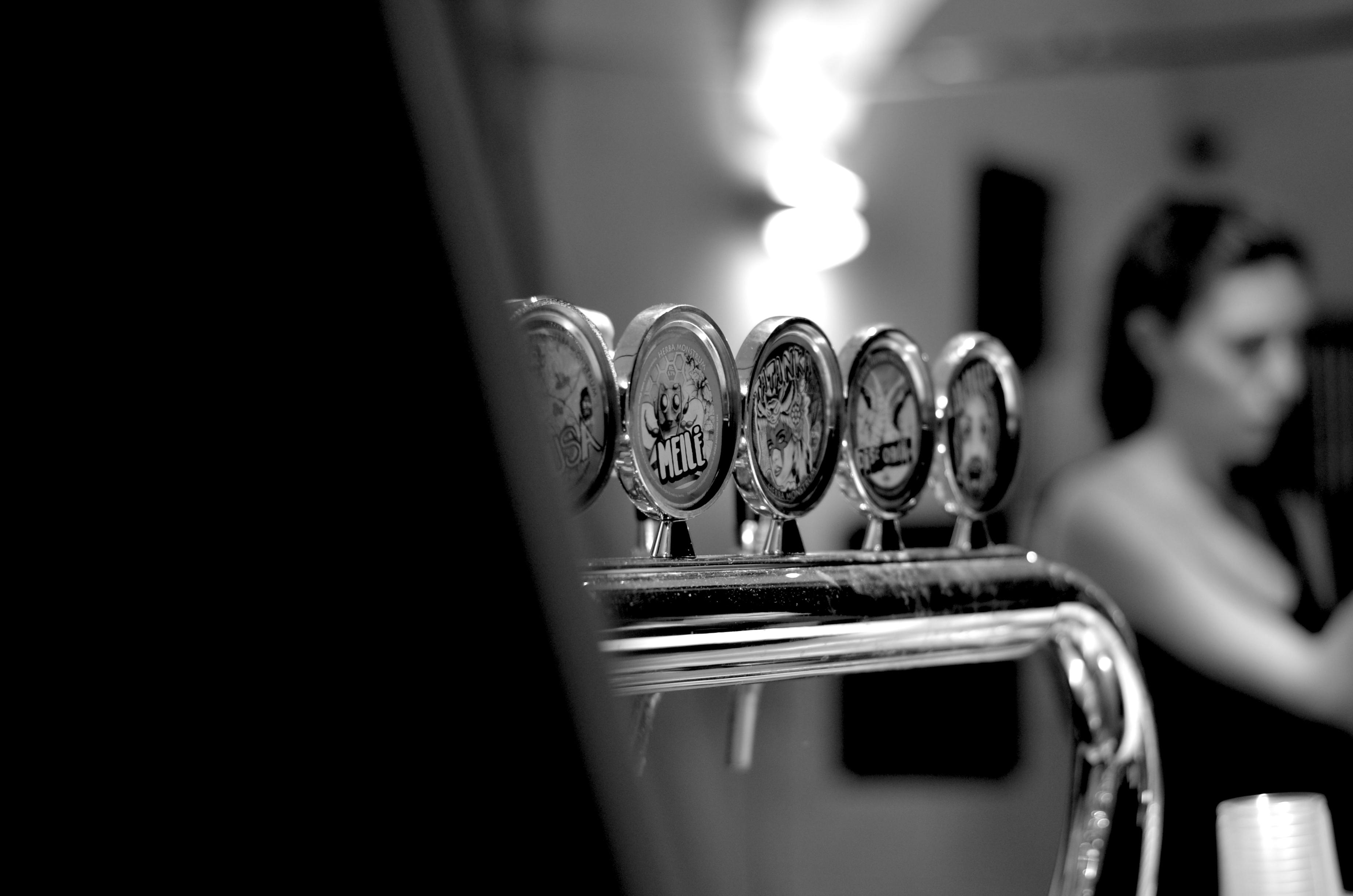Chiusura estiva 2019, dal 12 al 21 agosto. Herba Monstrum Brewery via Ettore Monti, 29, 23851 in zona Ponte Azzone Visconti Lecco. Birre artigianali alla spina di Herba Monstrum Brewery.
