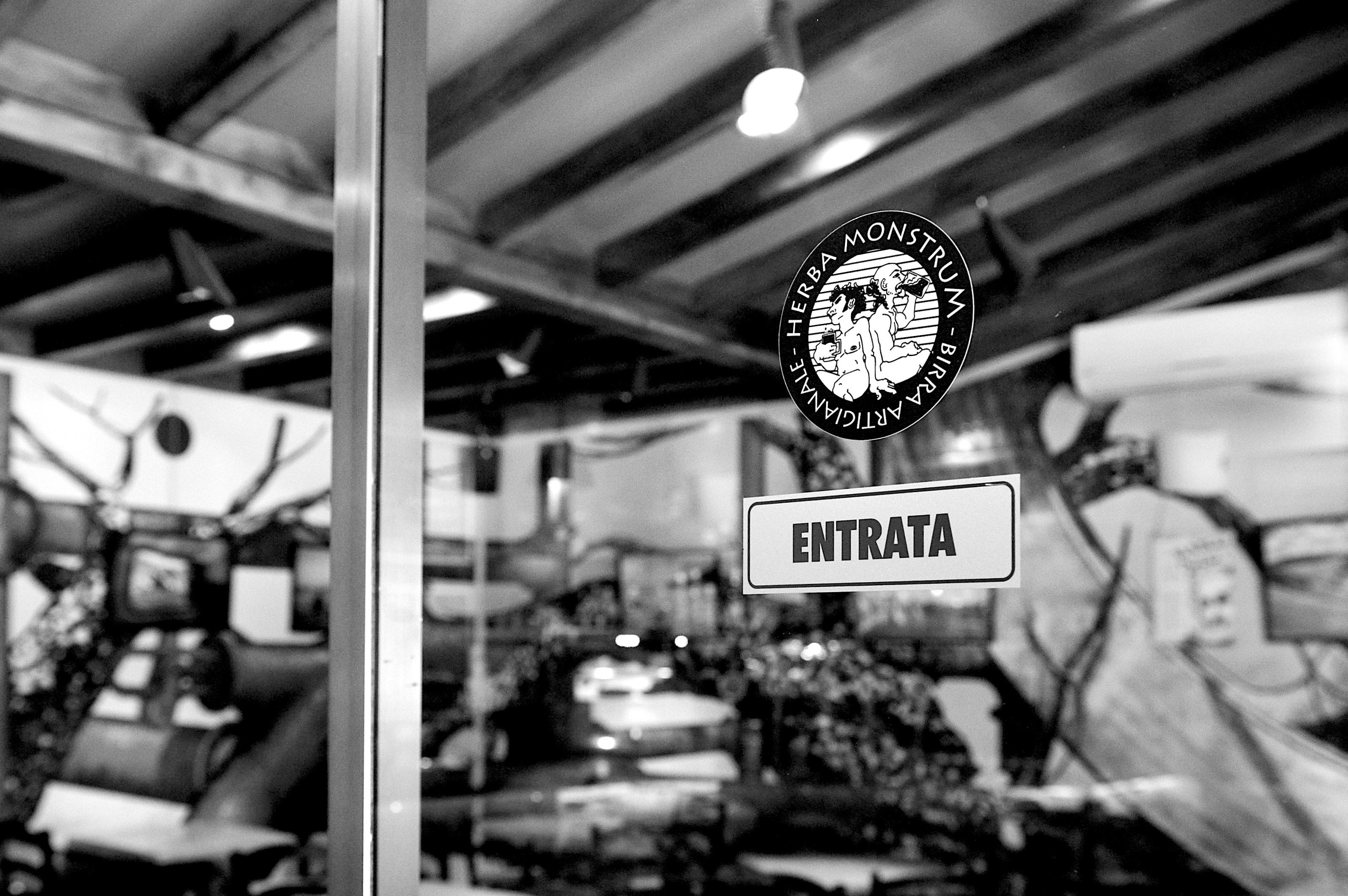 Maggio 2020 Servizio Asporto Lecco: birre artigianali e hamburger gourmet Gustali direttamente a casa! Herba Monstrum Brewery via Ettore Monti, 29, 23851 in zona Ponte Azzone Visconti Lecco.